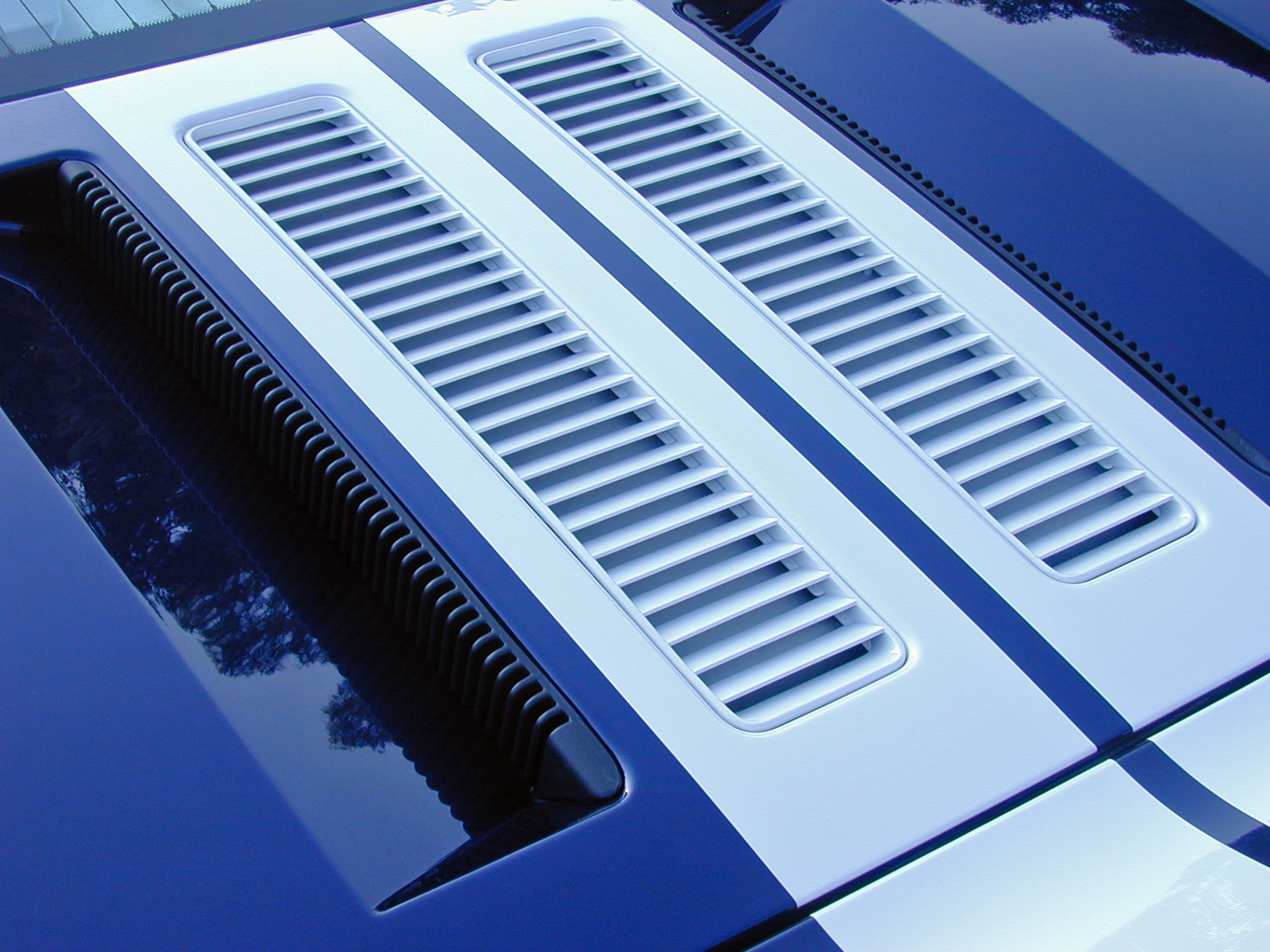 2005 Ford GT Long Term Engine Vents