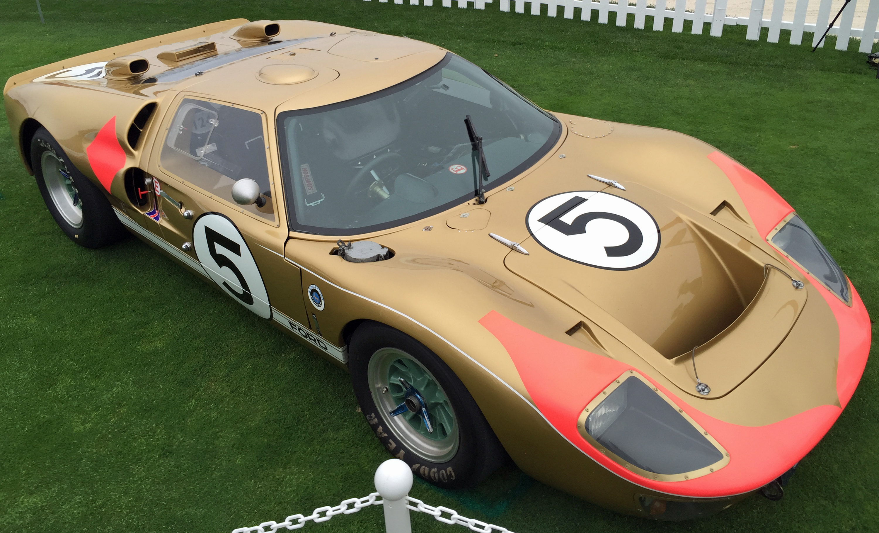 Ford GT40 Pebble Beach Gold