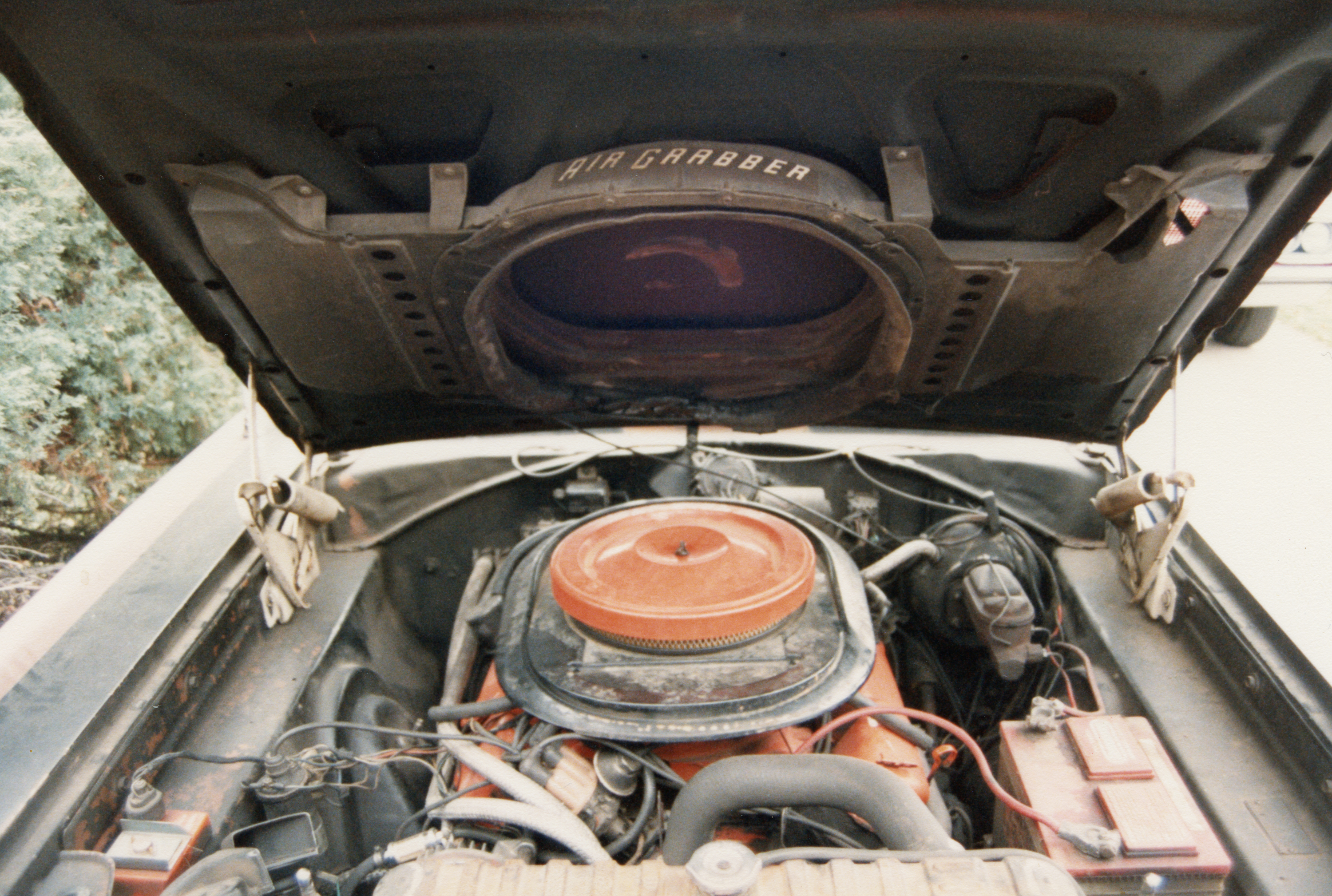 1969-Plymouth-GTX-Engine