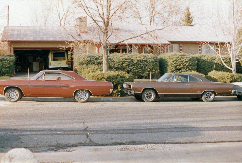 1970-Plymouth-GTX-1969-Plymouth-GTX