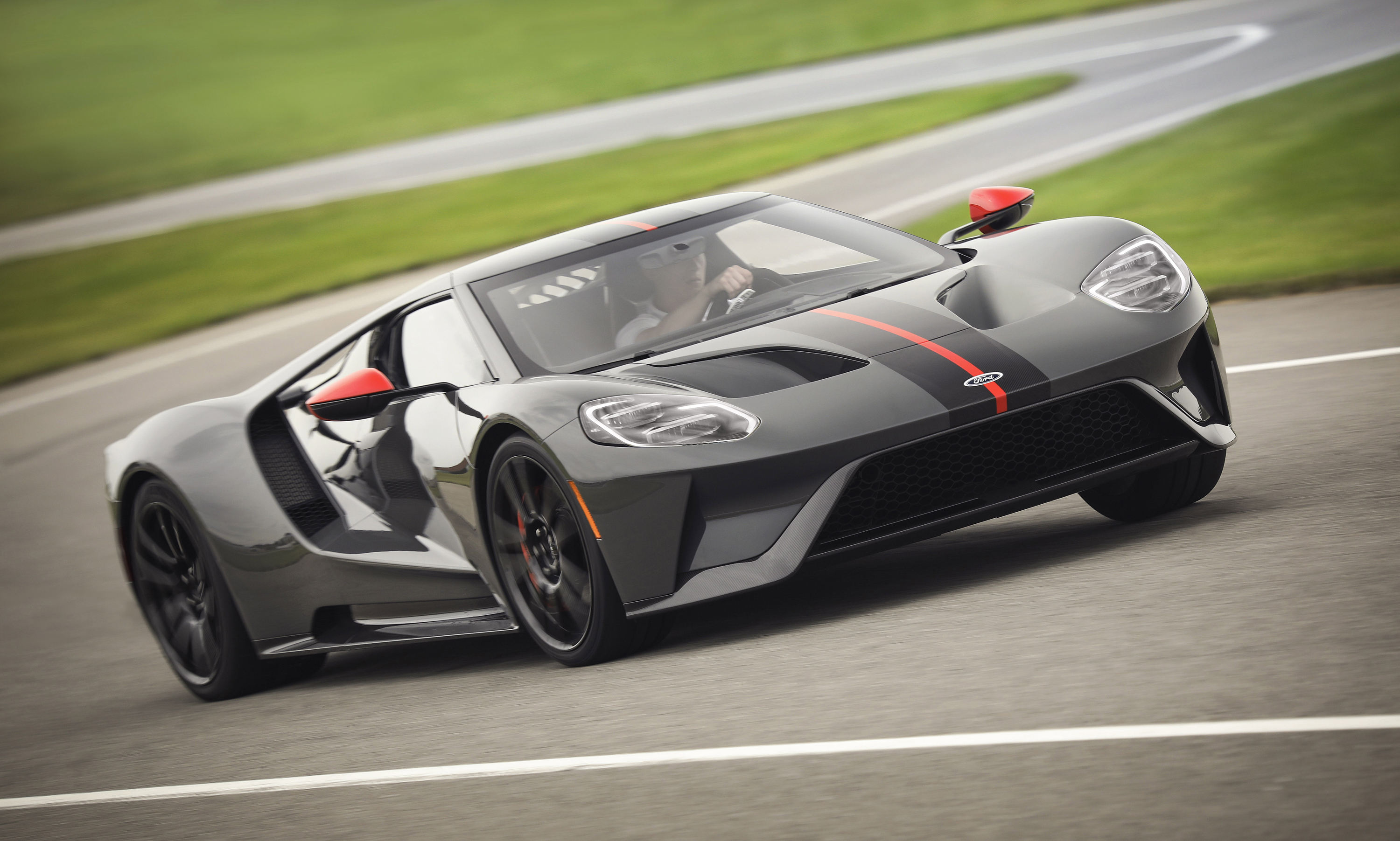 Ford GT Carbon Series Leadfoot Curving