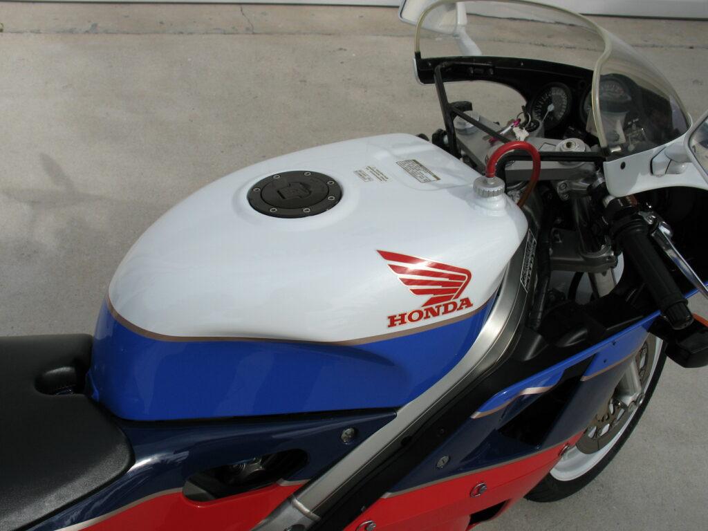 Honda RC30 Tank