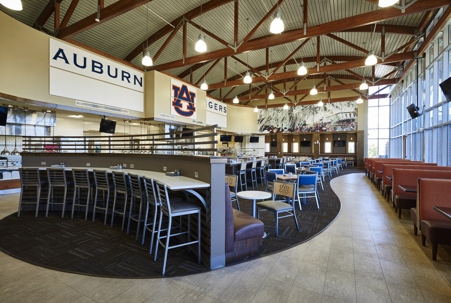 AUBURN WELLNESS KITCHEN ATHLETIC DINING VIEW 05
