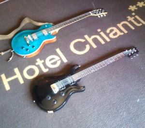Hotel Chianti, due chitarre