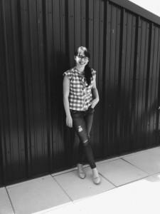 Mari jeans sidewalk