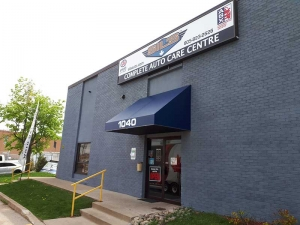 illuminated-sign-and-awning-oakville-side