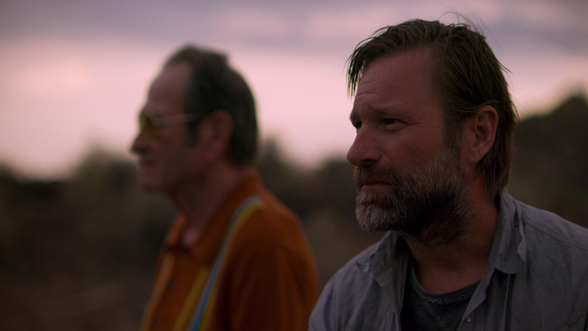 Tommy Lee Jones and Aaron Eckhart in Wander