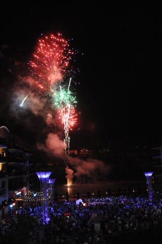 """BRANSON LANDING'S 8TH ANNUAL """"LIBERTY LIGHT UP""""  MUSICAL EXTRAVAGANZA, FIREWORKS & CONVOY OF HOPE!"""