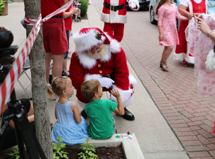 700 Santas On A Thursday Morning? Normal Branson Day!