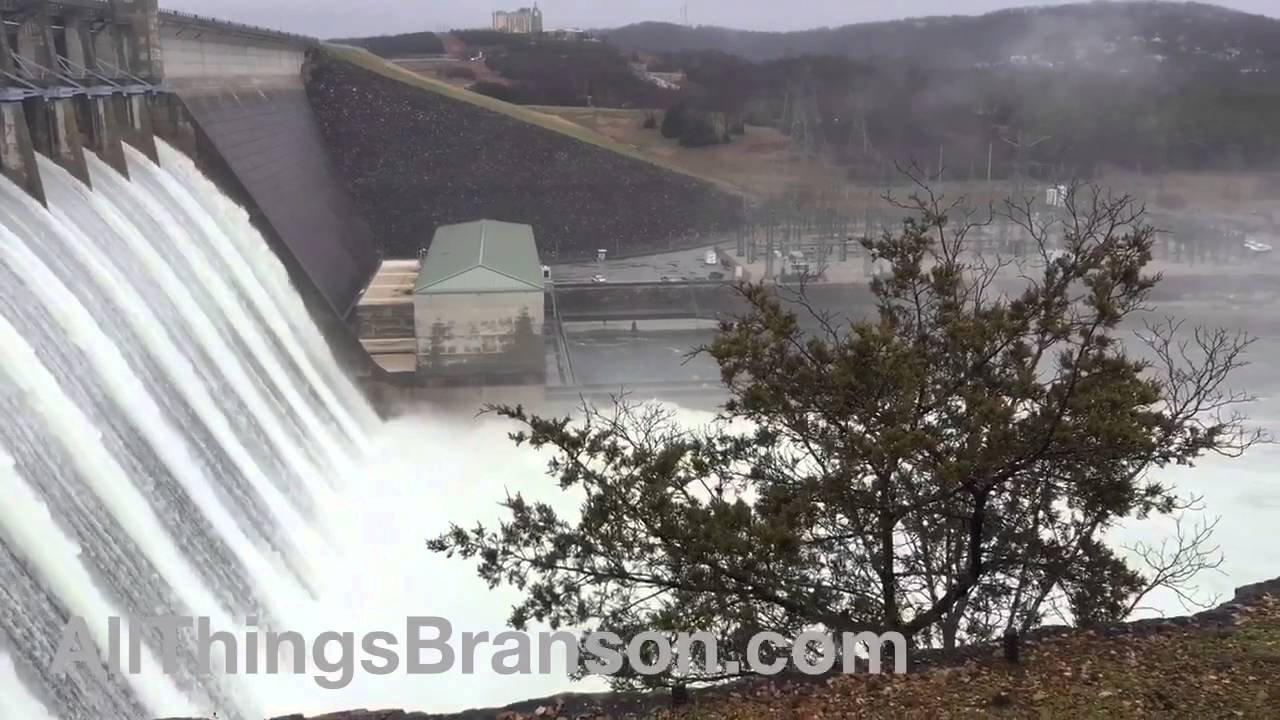 Branson Flood and Table Rock Dam (2015 Footage)