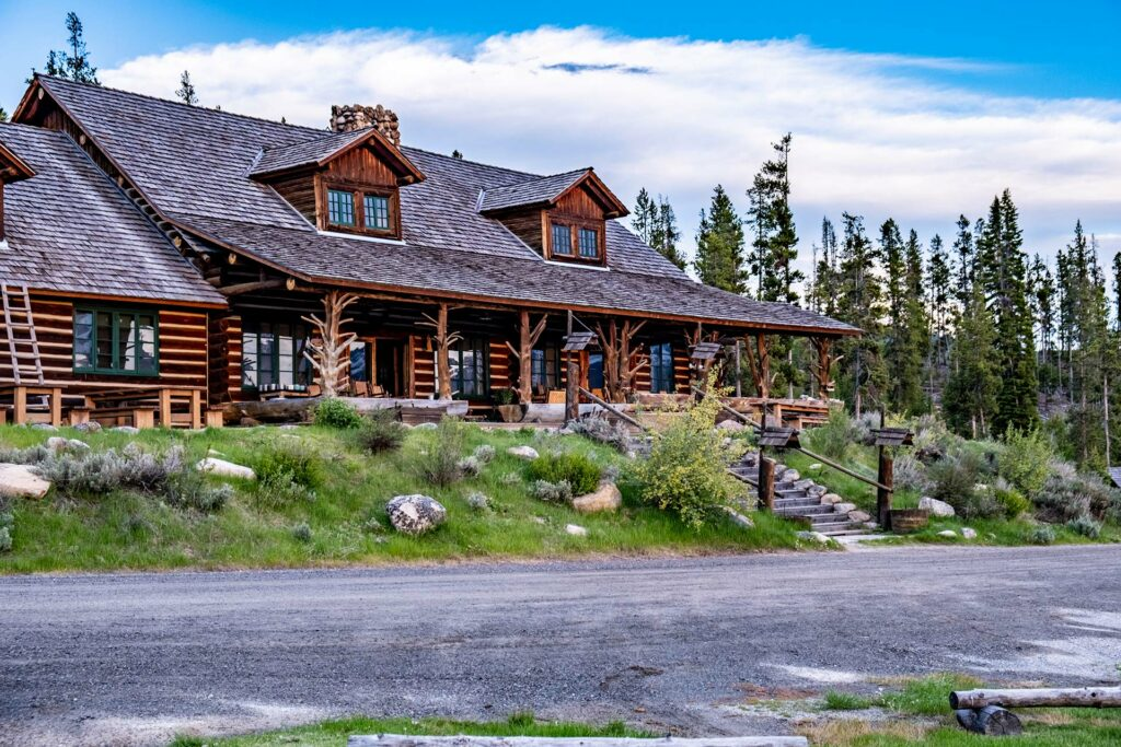 Guest log lodge open to family vacations or romantic getaways in stanley idaho at the base of the sawtooth mountains