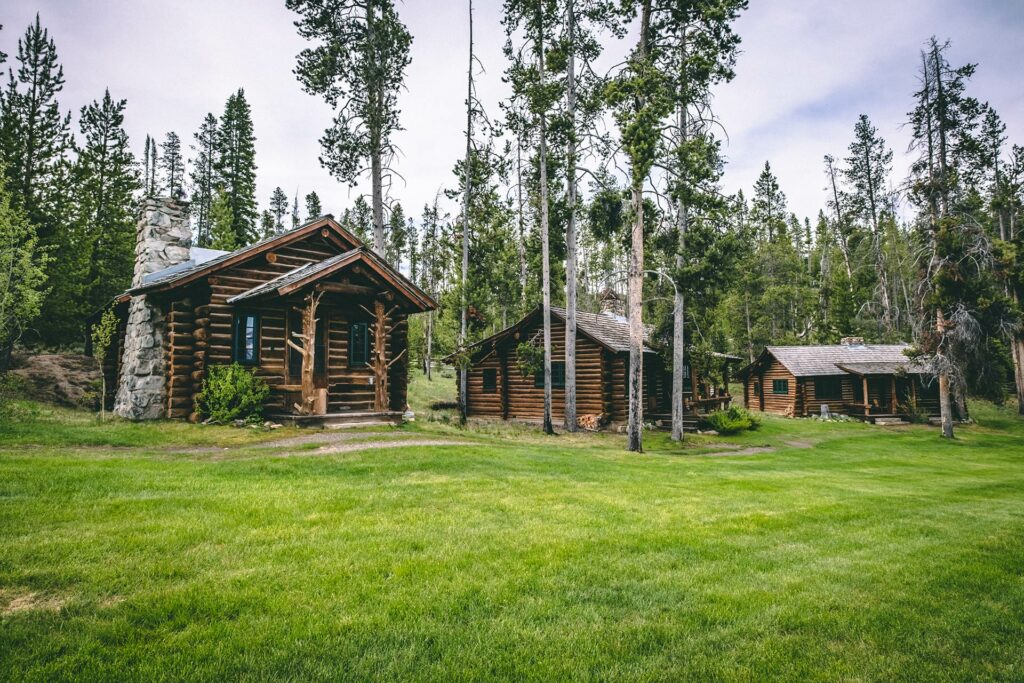 Our rocky mountain comfort cabins offers plenty of space for family and friends set in stanley idaho