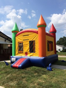 Mini Castle Bounce House Rental Kansas City Area, Delivery included $140 to most of Metro.
