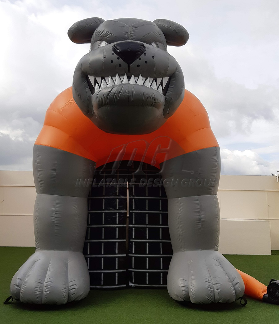 Inflatable Cage Bulldog Tunnel