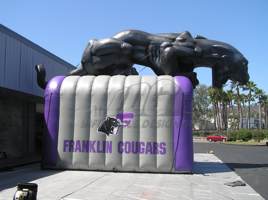 Inflatable Cougar Tunnel