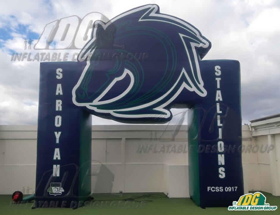 Inflatable-Custom-3D-Arch-Entryway-Saroyan-Stallions