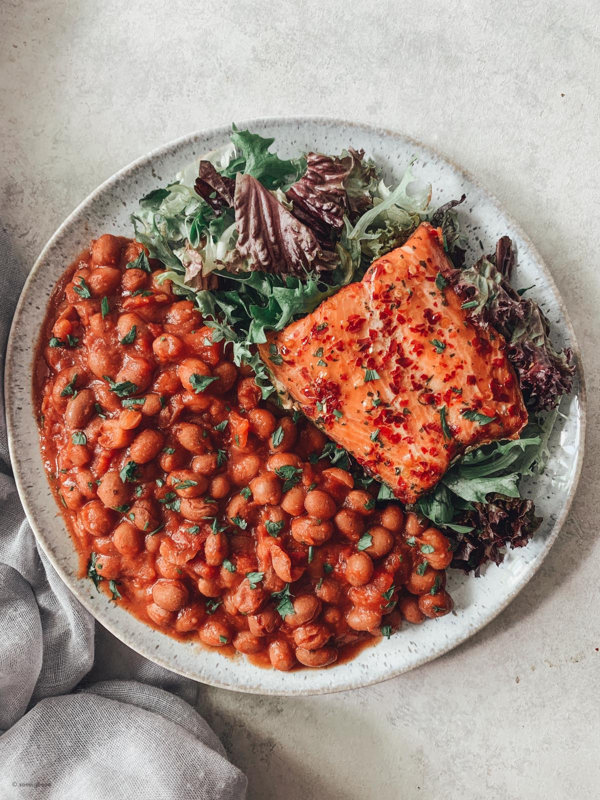 Chipotle Borlotti Beans with Sweet Chilli Salmon & Side Salad