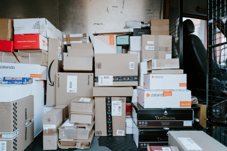 4 Ways to Help Your Ecommerce Startup Compete with Amazon