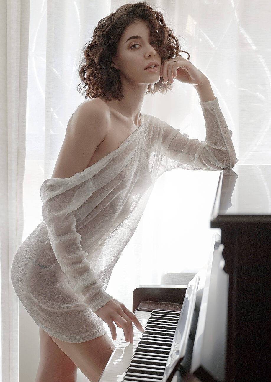 ALICIA KAUR
