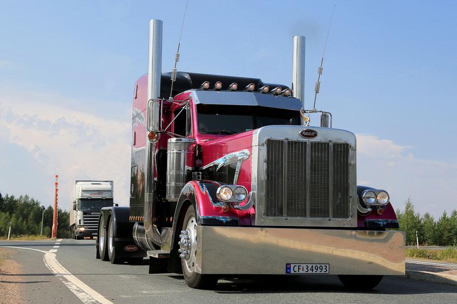 bigstock American Show Truck Tractor Pe 70020541