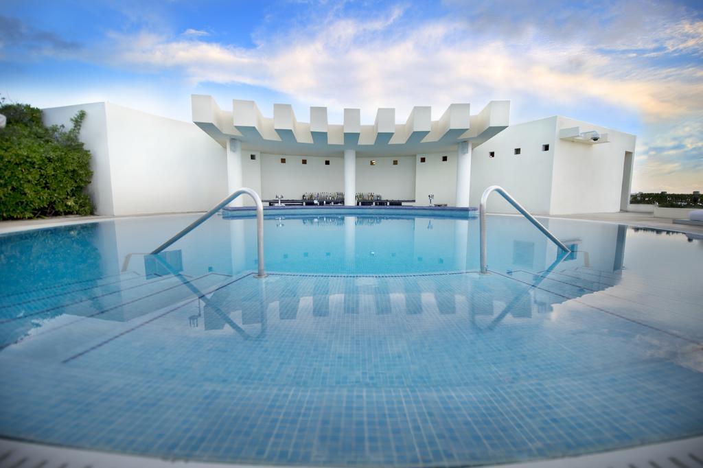 Km 12 5 Blvd Kukulcan Zona Hotelera 77500 Cancun Q R Mexico Travelers Exchange Club