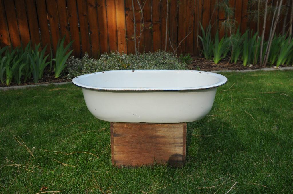 """Vintage baby bath tub. 17"""" x 27"""" x 7""""  $15"""