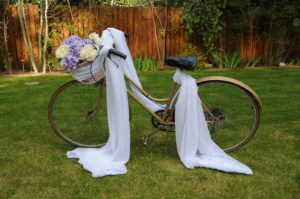 Vintage bicycle with basket and fabric