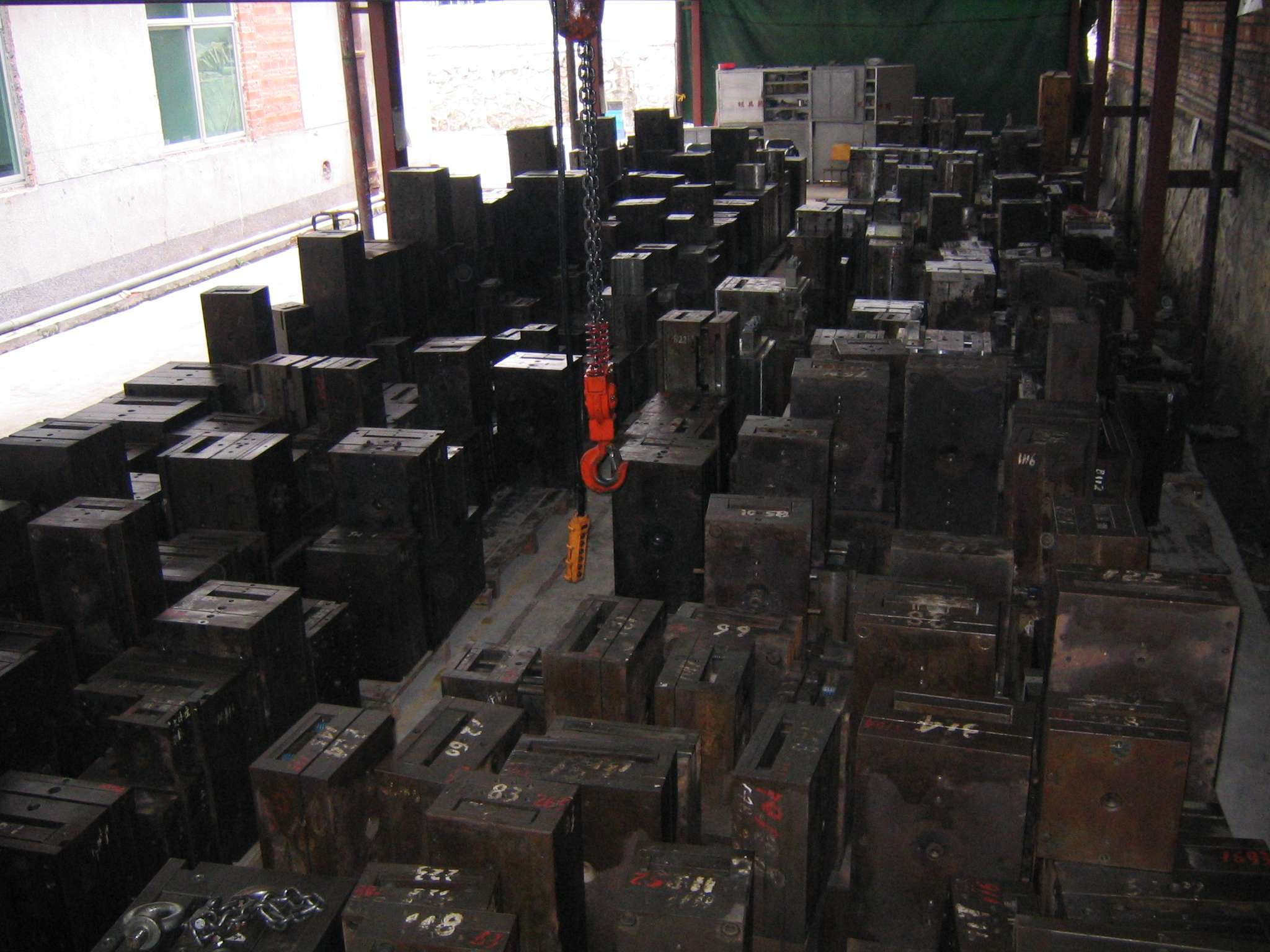 Mold Storage open air in China image 1