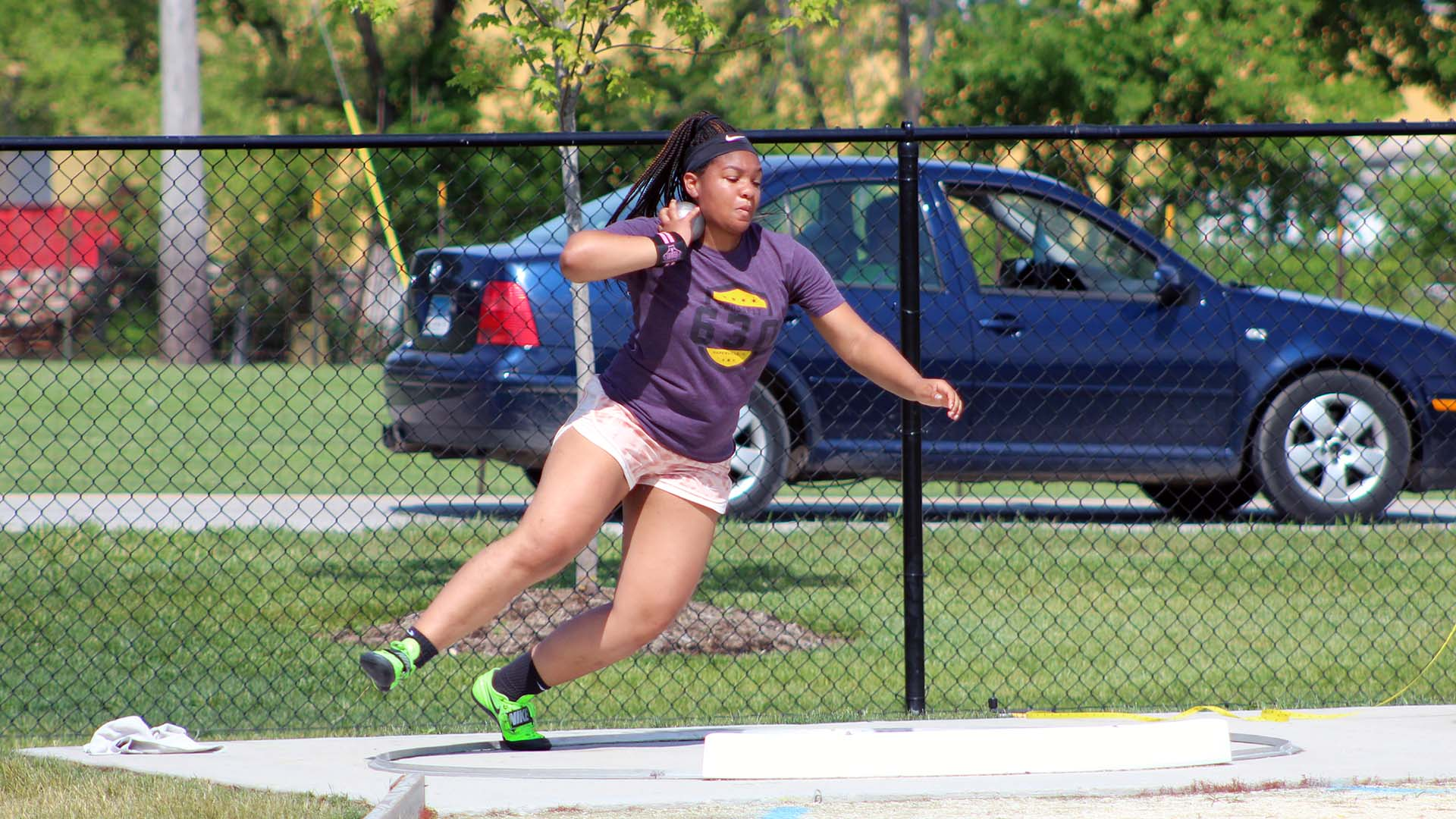 Ella O'Neall competes in the Shot Put
