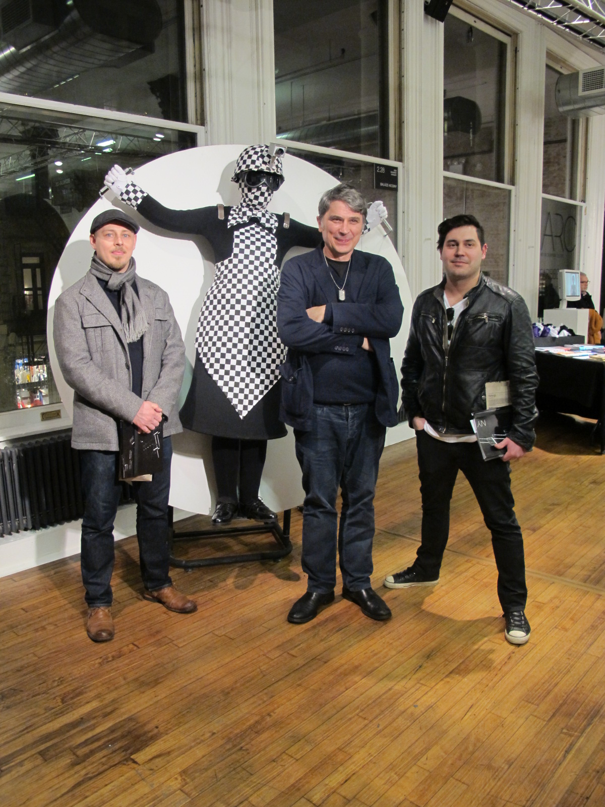 (L-R) Alex Slonevsky (Director @ Rooster Galley), Bala_zs Kicsiny (artist) and Andre_ Escarameia (Curator @ Rooster Gallery)