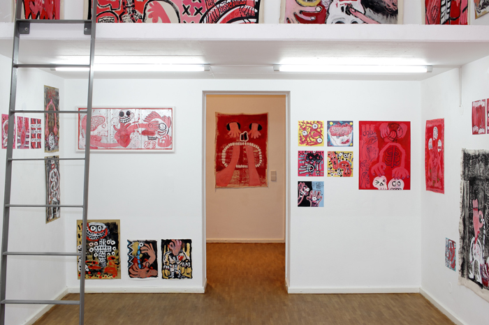 Exhibition view SHARE YOUR TEETH (WITH THE ONES YOU LOVE), solo exhibition of Aviv Benn, Art von Frei Gallery, Berlin, photo © Stephanie Wächter / Courtesy Aviv Benn and Art von Frei Gallery