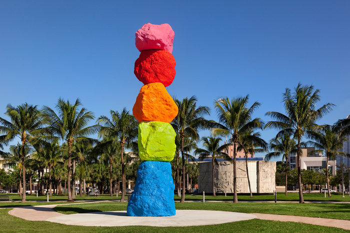 Ugo Rondinone, Miami Mountain, 2016, Granite, paint, steel. Collection of The Bass, purchased with The John and Johanna Bass Acquisition Fund. Photo © Zachary Balber. Courtesy of The Bass, Miami Beach.
