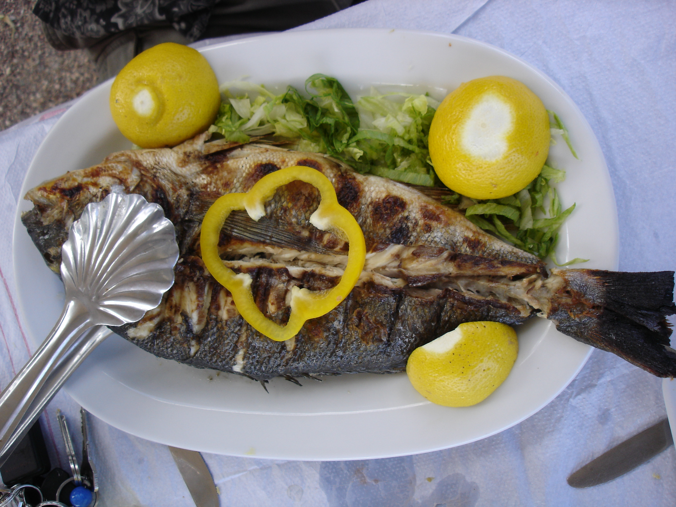 Greek food: How to clean a fish