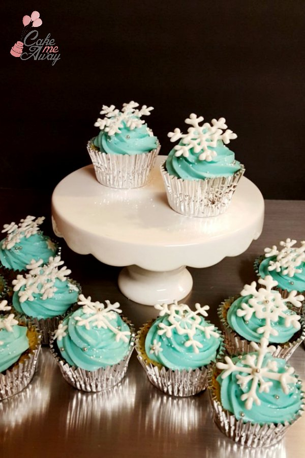 Blue Winter Snowflake Cupcakes