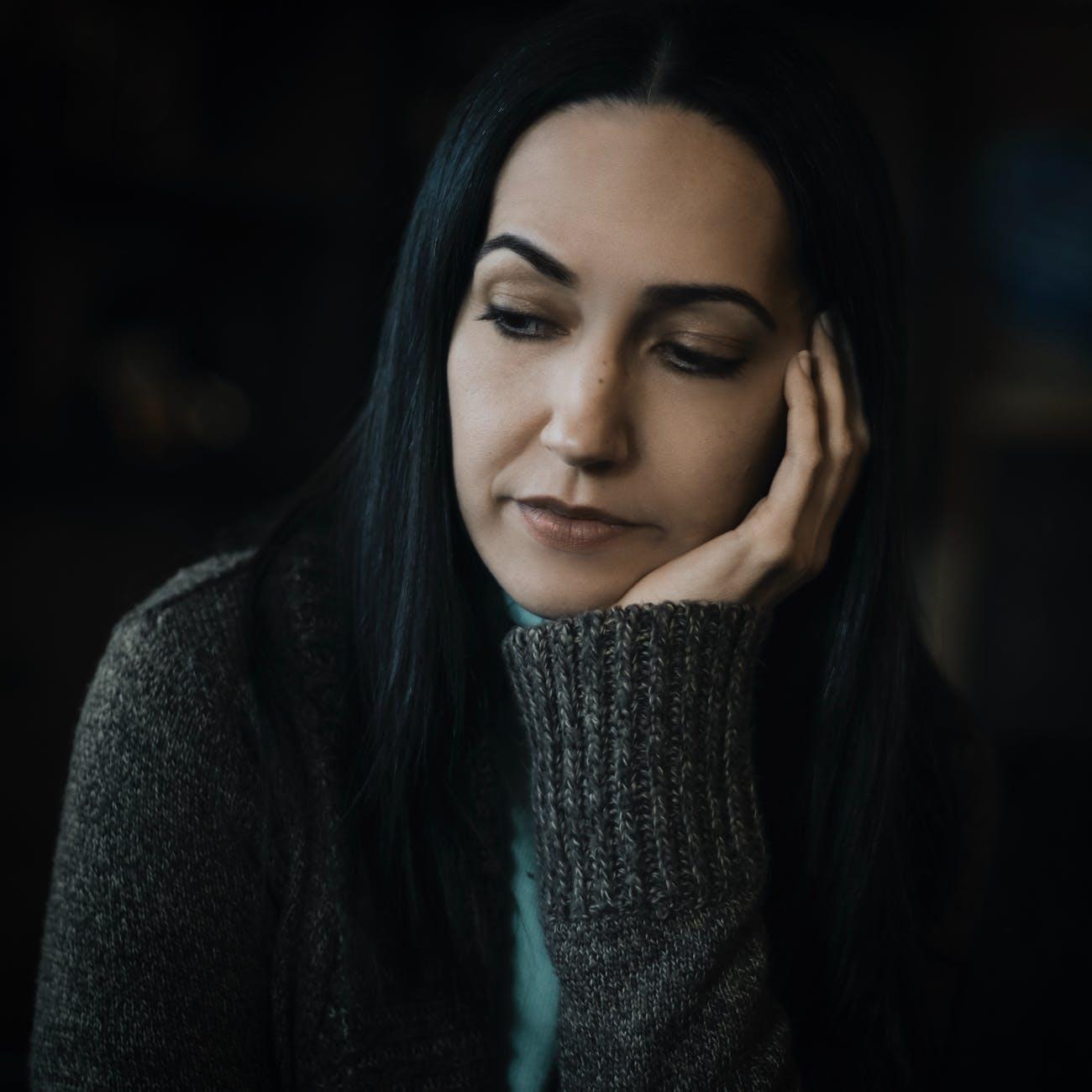 What Happens When an Aquarius Woman Is Sad?