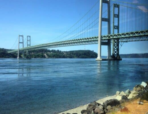 Tacoma_Narrows_Bridge_by_train