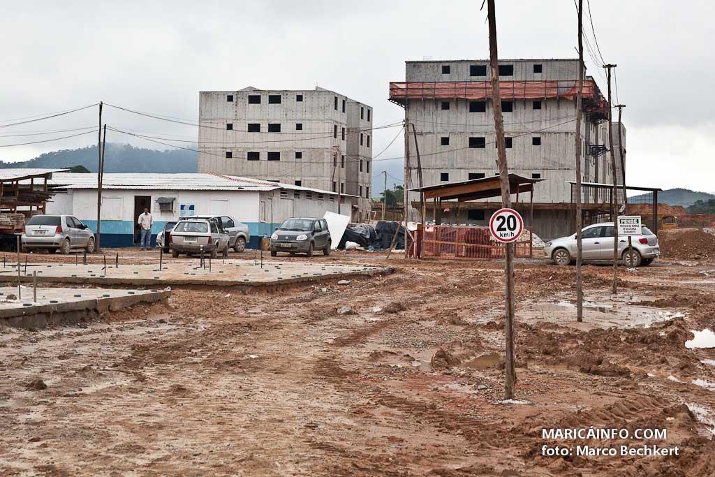 Conjuntos habitacionais estão sendo erguidos em Inoã e Itaipuaçu. (Foto: Marco Bechkert | Maricá Info)