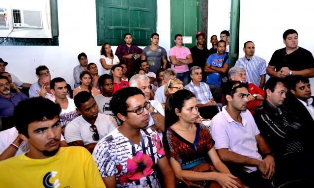Reunião discute formas para mobilizar a população sobre a importância do Centro de Artes e Esportes Unificados. (Foto: Fernando Silva | PMM)