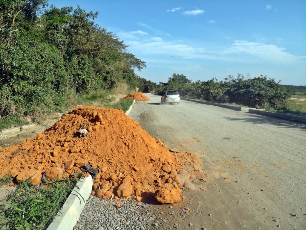 Rua 90 'pronta' para receber asfalto. (Foto: João Henrique   Maricá Info)
