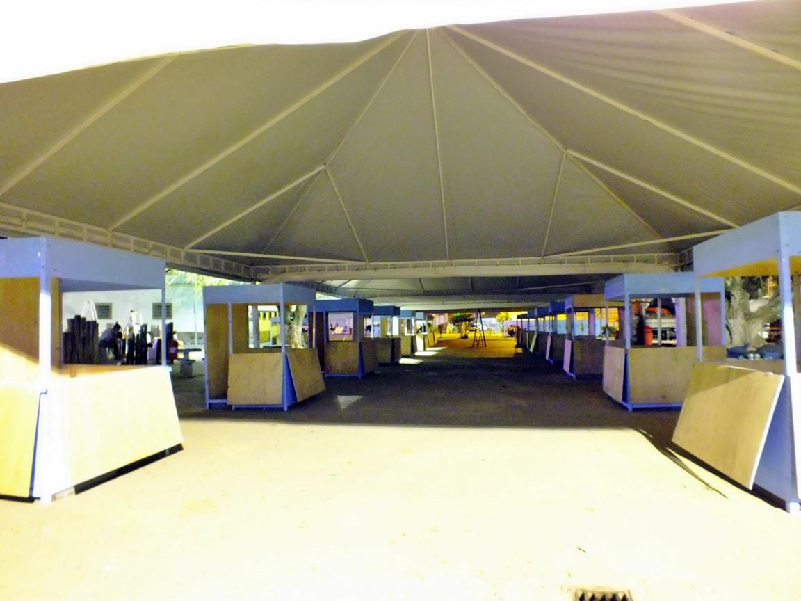 Dezenas de stands foram montados pela ABL. (Foto: João Henrique | Maricá Info)