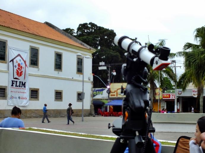 Telescópio de hidrogênio garante segurança na observação do sol. (Foto: João Henrique   Maricá Info)