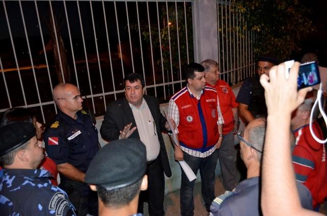 Secretários de Desenvolvimento Econômico e de Segurança Pública interditaram o aeródromo municipal no dia 11 de setembro. (Foto: Fernando Silva)