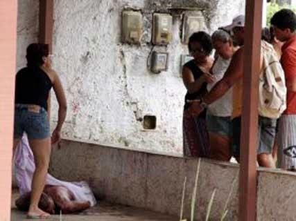 Itaboraí: Homem é encontrado morto a golpes de faca e foice.