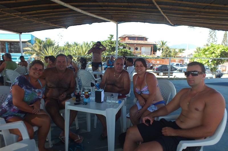 Quiosque Barracada faz sucesso na praia da Barra de Maricá. (foto: Mauro Luis | Maricá Info)