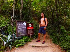 Local do início da trilha da Pedra do Elefante, a poucos metros do Mirante da Serra da Tiririca. (foto: João Henrique / Maricá Info)