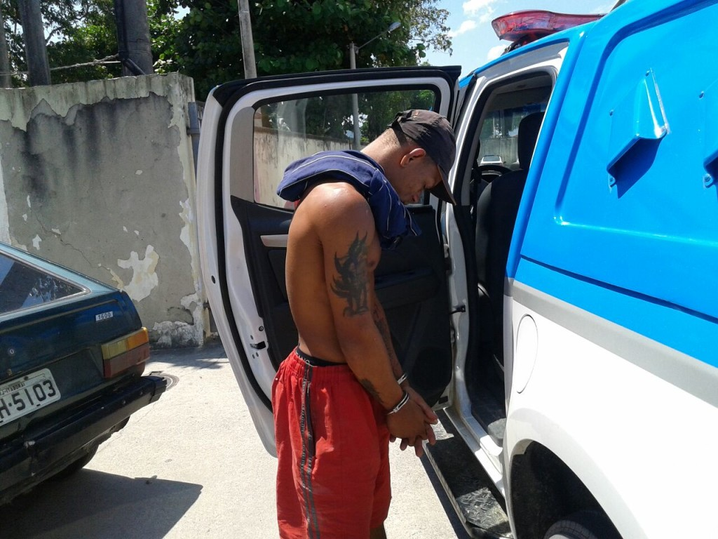 Felipe Silva Antonio dos Santos, vulgo cara de pedra, foi preso por tráfico de drogas no Manu Manuela. (fotos: Mauro Luis | Maricá Info)