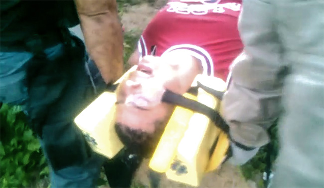 Traficante baleado na comunidade da Reta Velha, em Itaboraí, foi socorrido por bombeiros.