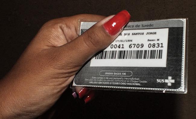 Novo cartão do SUS com código de barras no verso. (fotos: João Henrique / Maricá Info)