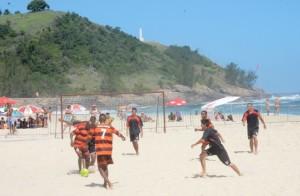 As equipes Seleção do Álcool, Amizade, Barra e Beira-Mar (Ponta Negra) se classificaram para a próxima fase. (fotos: Clarildo Menezes)