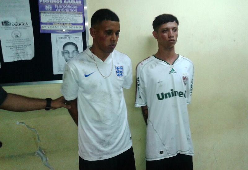 Os dois foram capturados e levados para a 82ª DP (Maricá). (fotos: Mauro Luis / Maricá Info)